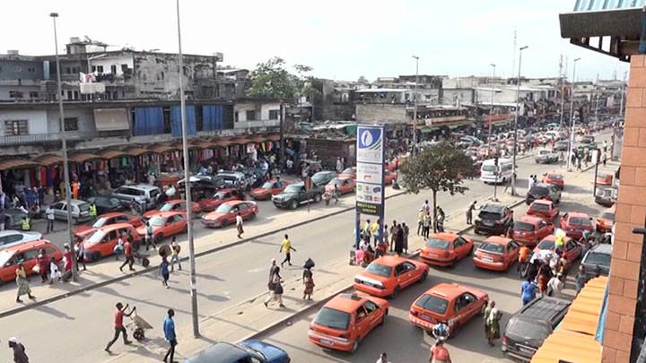 Les conducteurs de taxis-compteurs s'engagent à professionnaliser leur secteur